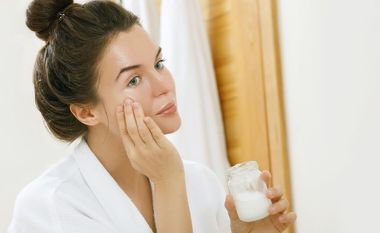Virgin Coconut Oil: The ultimate solution for dry skin with a deep conditioning effect